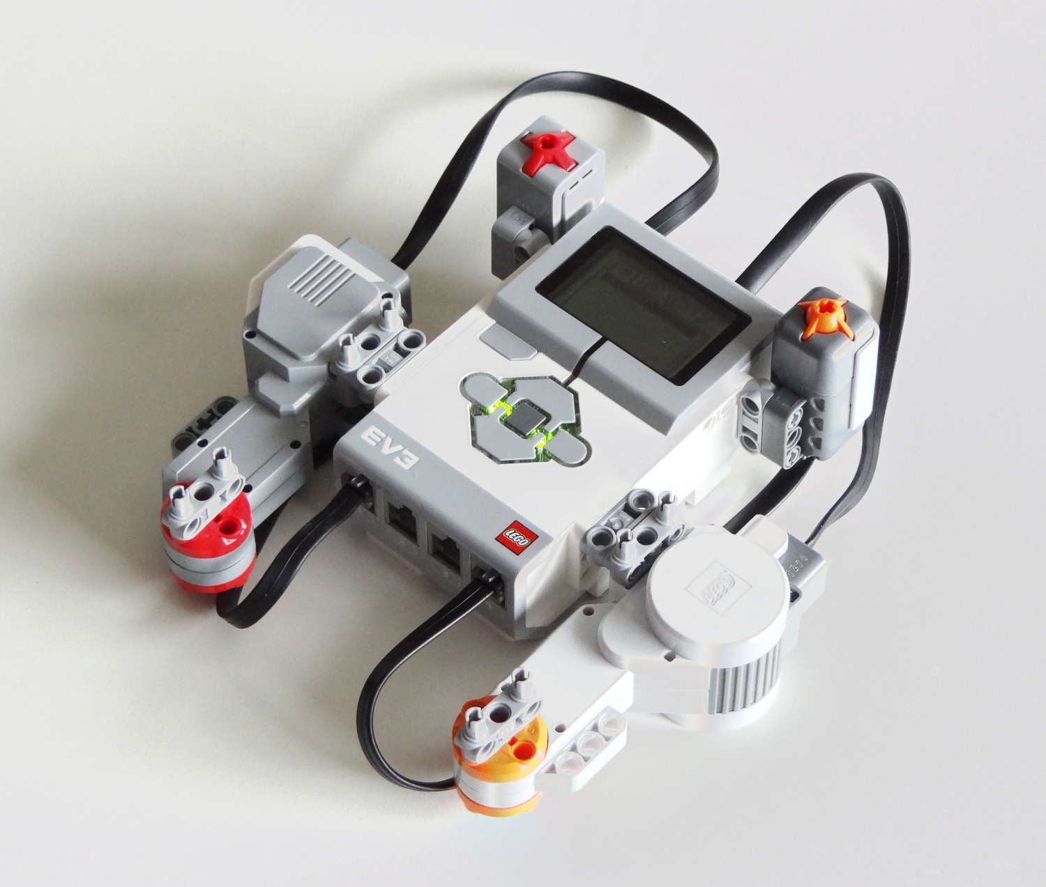 Ev3 And Nxt Difference Compatibility Robotsquare Simple Ways To Circuit Bend A Toy Bending Pinterest
