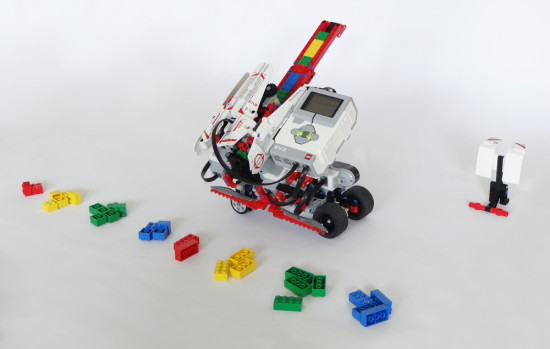 BRICK SORT3R can sort LEGO bricks by color and size. Click to learn how to build it.